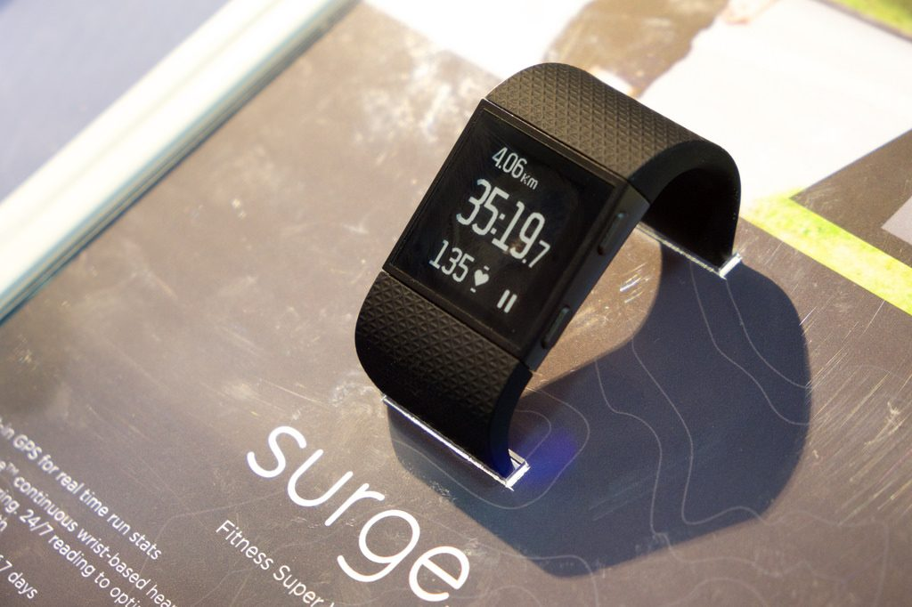 Fitbit Surge Smart Fitness Watch Review | Fitness Software | Top 5 Power Guide top5powerguide.com